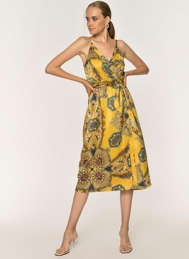 Loves You Askılı Anvelop Şal Desen Mat Saten Elbise Hardal